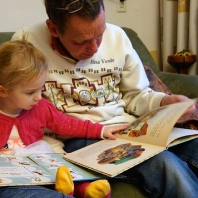 dad and child reading